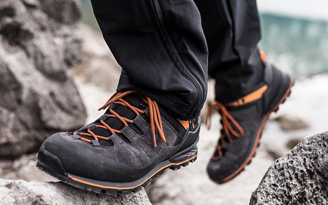 Men Hiking shoes